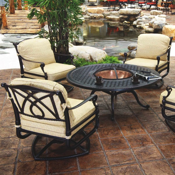 Grand Terrace Fire Pit Set