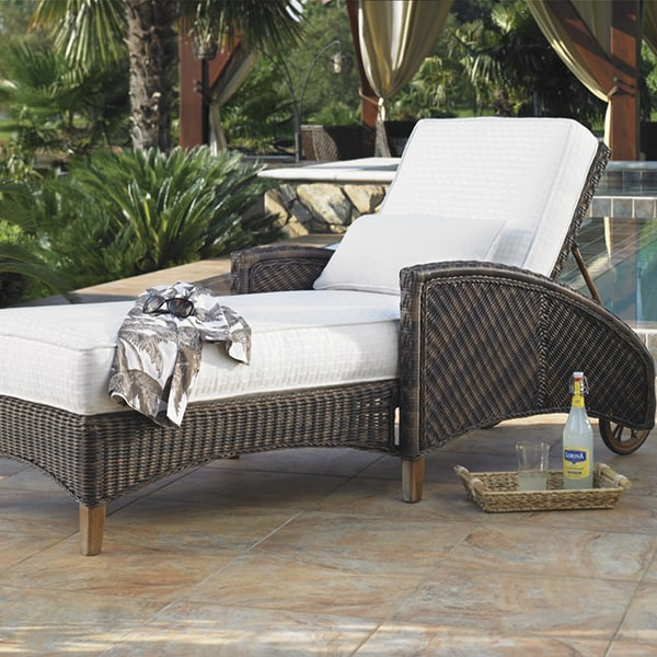 Island estate lanai chaise lounge for Outdoor lanai furniture