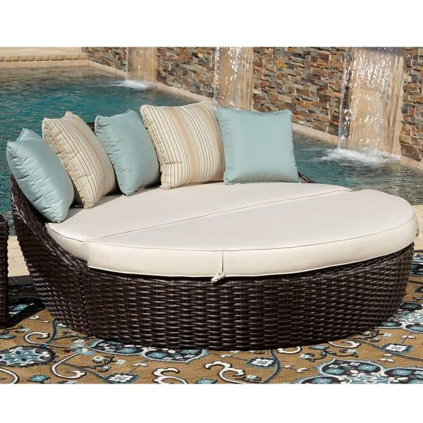 Cardiff Daybed by Sunset West