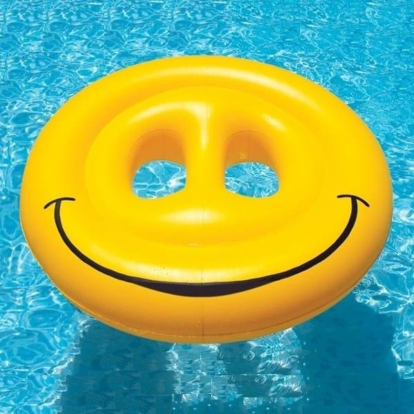 Smiley Face Fun Island by Swimline