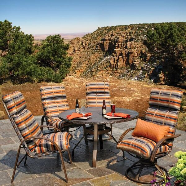 Palisade Cushion Dining
