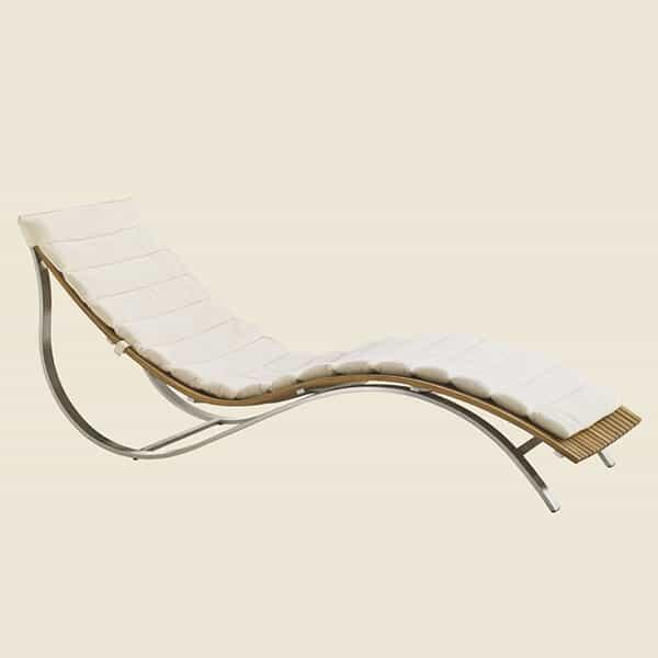 Tres Chic Chaise Lounge by Tommy Bahama