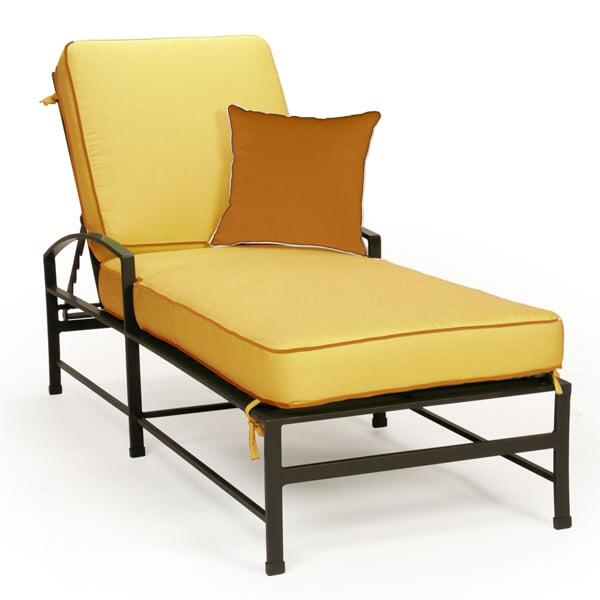 San Michelle Chaise Lounge by Caluco