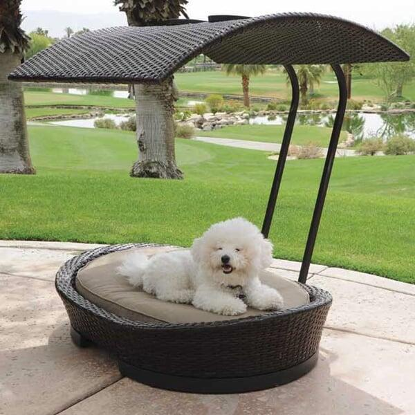 Stylish Wicker Dog or Cat Bed With Removable Sun Shade